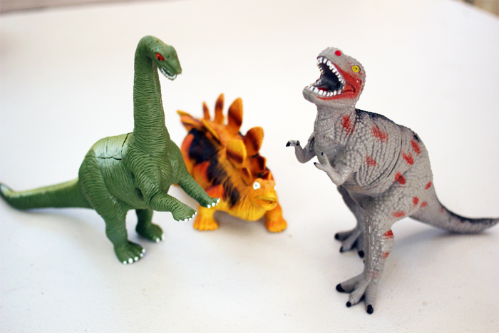 DIY: Dinosaur Planters by www.highwallsblog.com