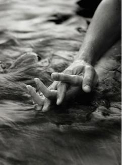 Hands_Surf2