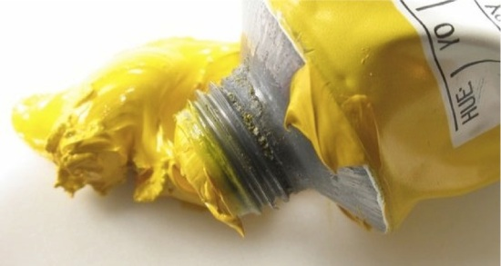 Yellow_paint